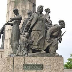 Пам'ятник Б.Хмельницькому у Чигирині. Скульптурна композиція