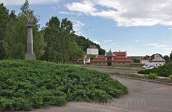 Головні ворота відновленої резиденції Хмельницького у Чигирині