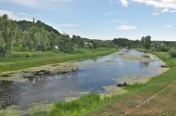 Ріка Тясмин у Чигирині. На задньому плані Замкова гора