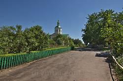 Мотронинський Троїцький монастир. Головна алея