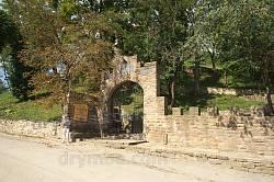 Початок алеї до Теребовлянського замку