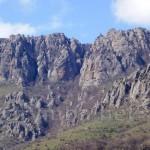 Горный массив Демерджи (западная часть со стороны с. Лучистое)