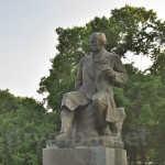 Пам'ятник Тарасу Шевченку у міському парку Золотоноші
