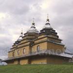 Дерев'яна церква св.Михаїла у селі Плав'є