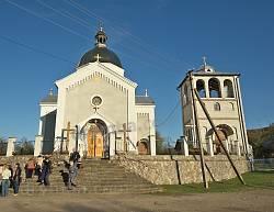 Церква св.Миколая у Розгірче. Фасад