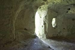 Ілів. Всередині печери