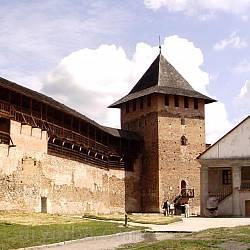 Луцкий замок. Двор и Владычья башня