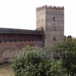 Луцький замок. Вигляд двору та Стирової башти з Надбрамної вежі