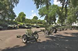 Експозиція військової техніки у Корсуні