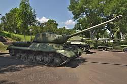 Корсунь-Шевченківський музей. Танк