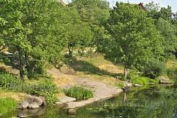 Корсунь. Кам'янисті береги Росі у парку Лопухіних