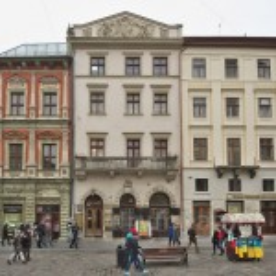 Площа Ринок. Кам'яниця Массарівська