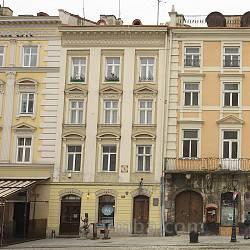 Площа Ринок. Кам'яниця Майдашевичівська