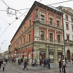 Площа Ринок. Кам'яниця Шольц-Вольфовичів