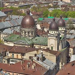Преображенская церковь во Львове. Вид с Ратуши