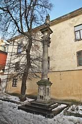 Комплекс Вірменського Собору. Колона св. Христофора