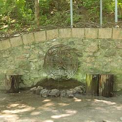 Корсунь. Русалчине джерело у парку Лопухіних. Фото 2