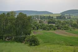 Вид на село Тростянець