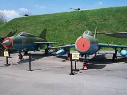 Військові літаки