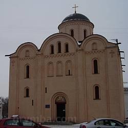 Церковь Успения Богородицы Пирогощей в Киеве