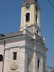 Черновцы. Старинные солнечные часы на костеле