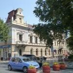 Дом на углу улиц Гакмана и Героев Майдана