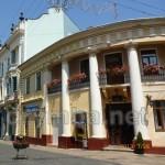 """Колишній будинок кав'ярні """"Рассіні юніор"""" та ресторан """"Ля Орієнт"""""""