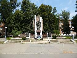 """Черновцы. Памятник воинам-афганцам """"Черный тюльпан"""""""