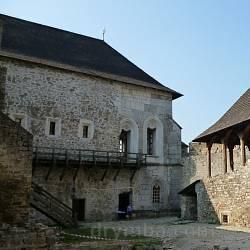 Хотинський замок. Замкова церква св. Костянтина і Олени