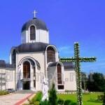 Поселок Брощнів-Осада Ивано-Франковской области. Церковь Святого Вознесения Господня