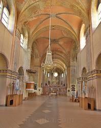Інтер'єр костелу Успіння Богородиці у Кохавині
