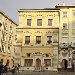 Палац Бандінеллі на площі Ринок
