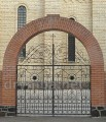 Брама Михайловского собора в Черкассах