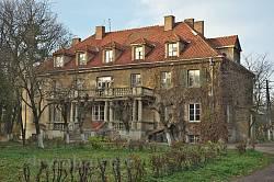 Палац барона де Во. Парковий фасад