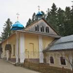Монастырские кельи и малая надвратная башня