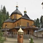 Манявский скит. Кресто-Воздвиженская церковь