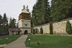 Надвратная башня Манявского монастыря