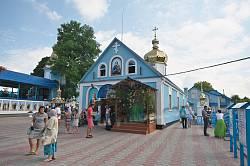Онишківці. Церква св. Анни біля джерела