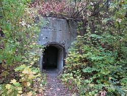 Тараканівський форт. Вхід до підземелля