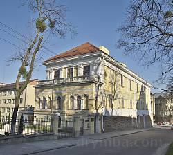 Арсенал Сенявських у Львові. Вид з вул. Бібліотечної