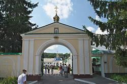 Брама Богоявленського монастиря