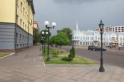 """Черкаси. Вулиця Хрещатик та колишній готель """"Слов'янський"""""""
