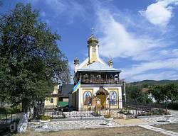 УГКЦ церква Святих Апостолів Петра і Павла в селі Спас