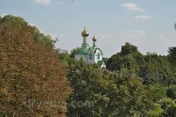 Вид на Василівську церкву з замкових валів