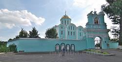 Мур та брама Успенського собору