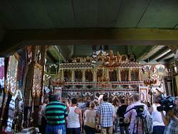Інтер'єр церкви у Криворівні