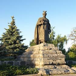Черкассы. Памятник Богдану Хмельницкому
