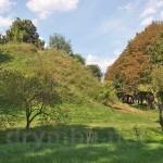 Слов'янський парк. Вид на вали замку
