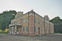Перебудована синагога у Більшівцях