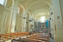 Інтер'єр костелу Кармелітів у Більшівцях